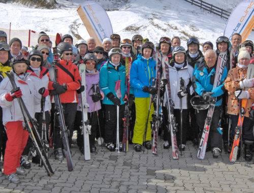 Sicher Skifahren mit künstlichem Gelenk