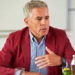 Prof. Dr. Michael Ausserwinkler Medikament Arthrose Schmerzen